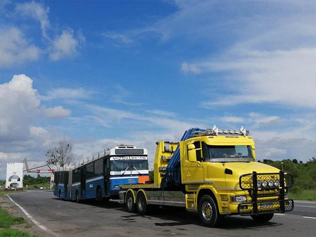 Tractare depanare autocamioane autocare